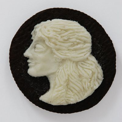 Oreo-Cookie-Cameo-Portraits-1