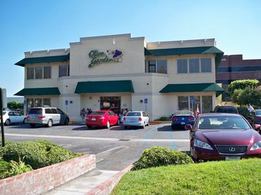 Two_story_olive_garden