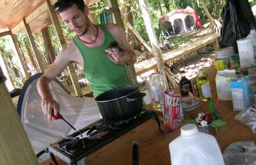 Monkey_cooking_2